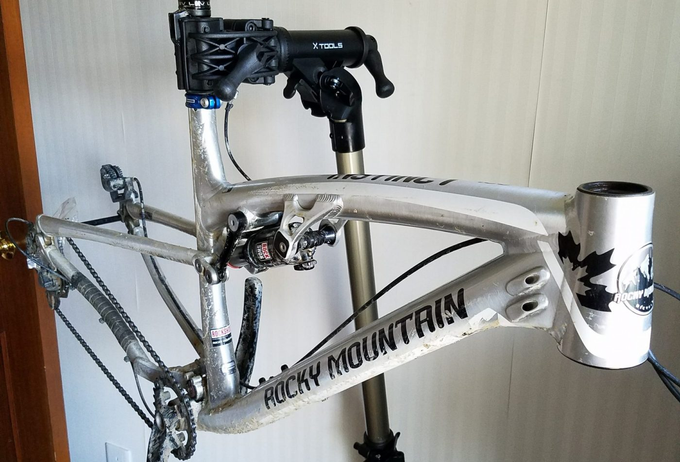 old mountain bike gets stripped down